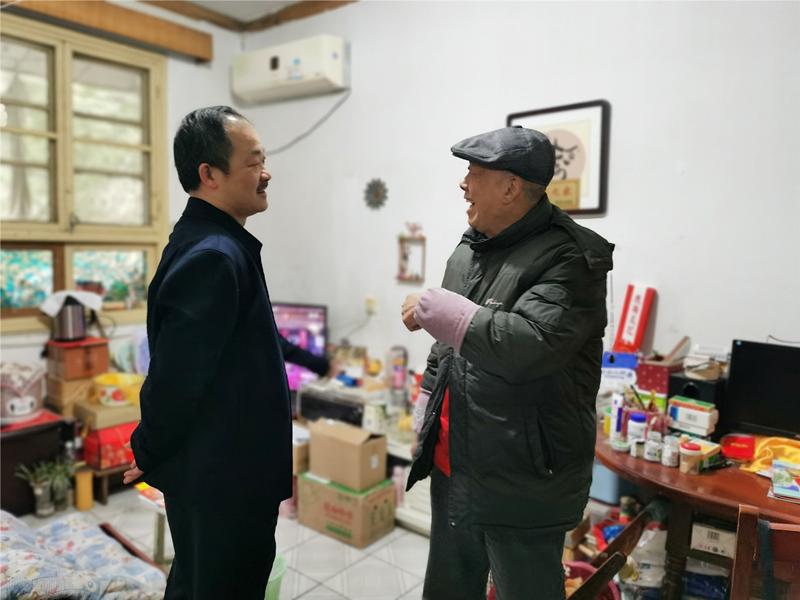4、2月4日,汤向东慰问老领导易文林_副本_副本.jpg